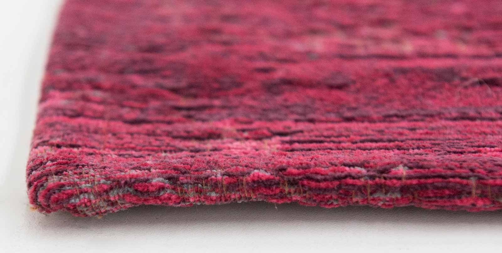 rug Louis De Poortere LX8260 Fading World Medaillon Scarlet side