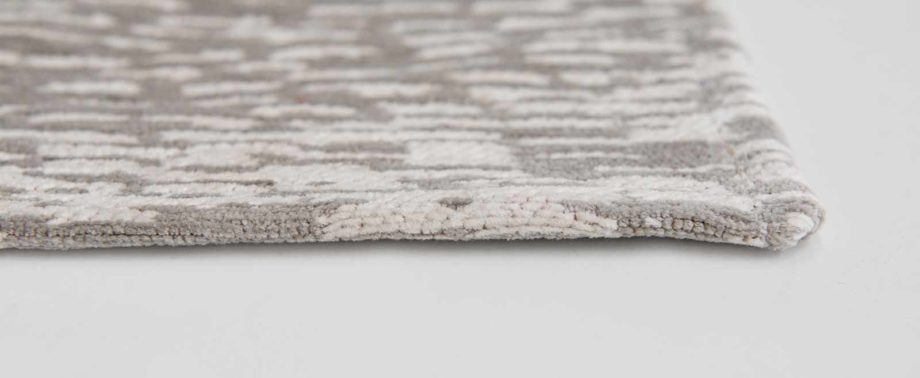 Louis De Poortere rugs Romo LX 8747 Itsuki Chamois side