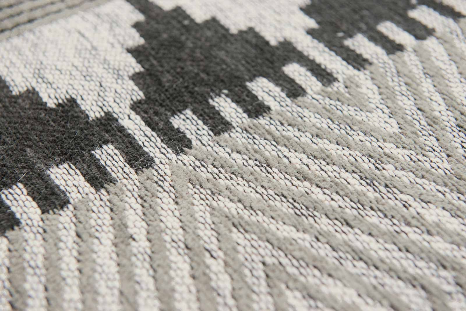 Louis De Poortere rugs Villa Nova LX 8764 Tobi Onyx zoom 4