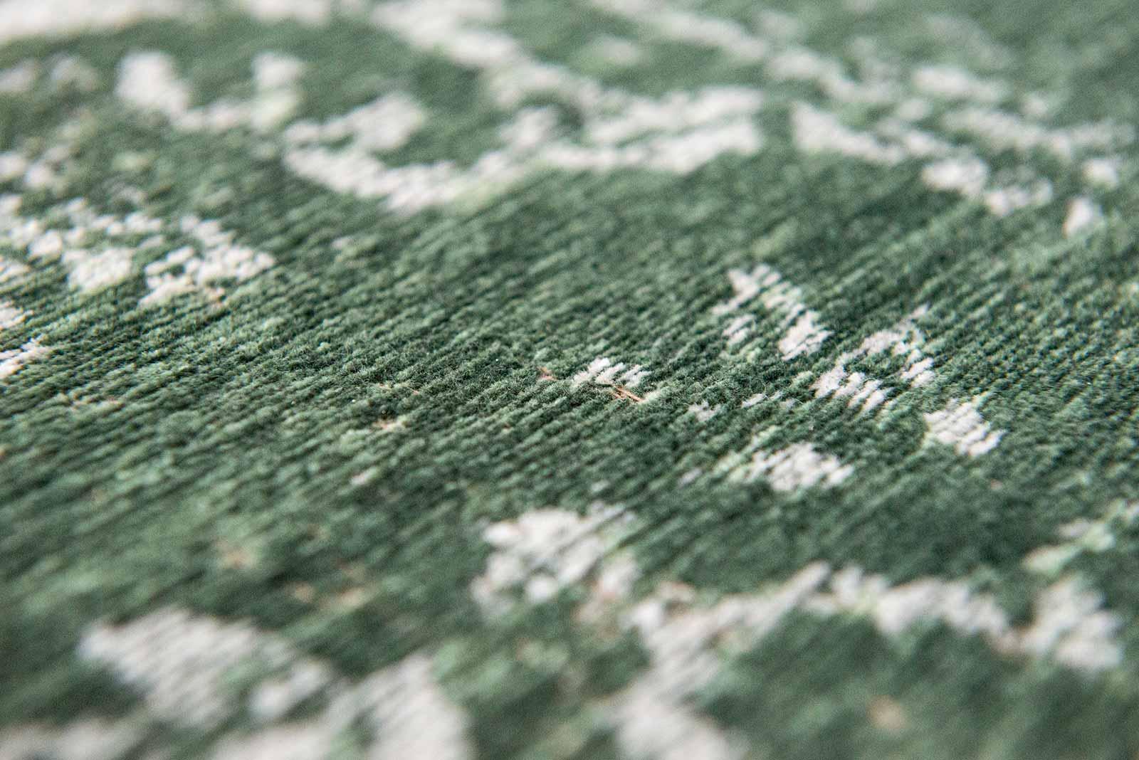Louis De Poortere rug LX 9146 Fading World Majestic Forest zoom 2