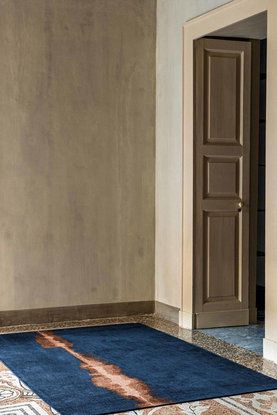 Louis De Poortere rug Fischbacher Linares 9056 interior 1